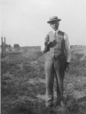 Dr. Chandler on Landsales Day, May 17, 1912.jpg