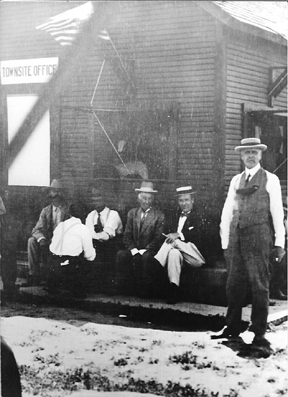 Dr. Chandler in front of Landsales Office, May 17, 1912.jpg